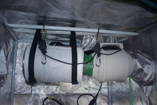 mars hydro tent ventilation